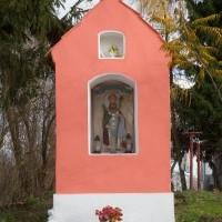 Kapliczka - centrum wsi Opin
