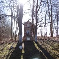 Kapliczka w okolicach Olszewnika