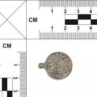 Zawieszka wykonana z denara Ludwika Pobożnego